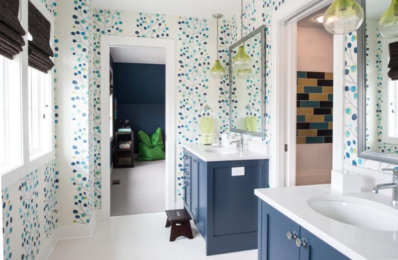 karışık ve desenli mavi banyolar